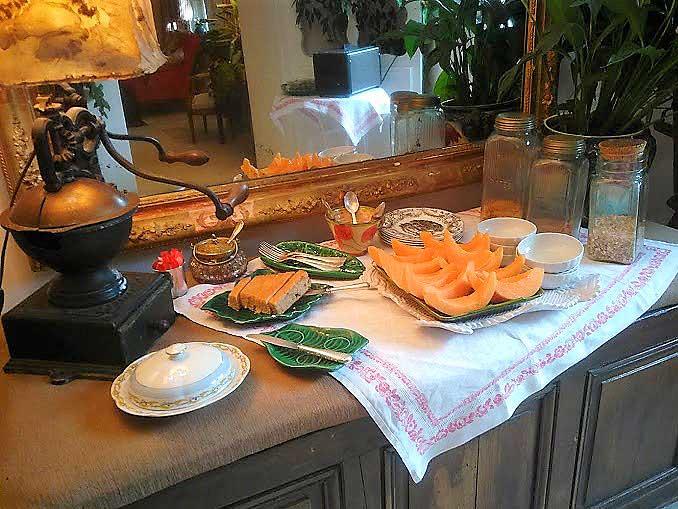 repas la nesqui re petit d jeuner et assiette proven ale. Black Bedroom Furniture Sets. Home Design Ideas